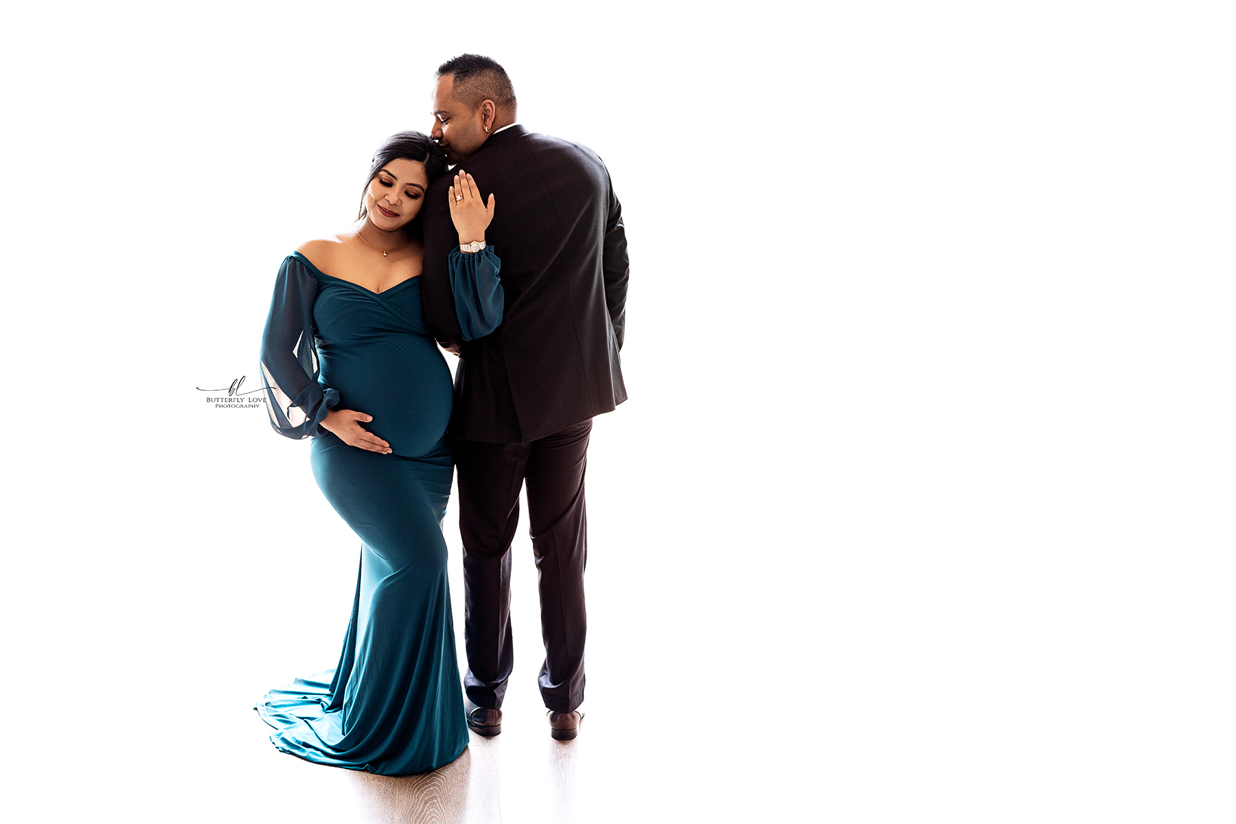 Melbourne South East Maternity Photographer - Maternity Photos Officer, Vic